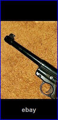 Crosman Mark 1 vintage. 22 Cal target Pistol Working in orig. Box