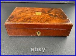 Fine Small 19th century Burr Walnut pistol / revolver box