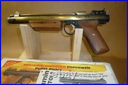 Nice Benjamin-Sheridan HB 17 Air pistol. 177 Cal. With original box and manual