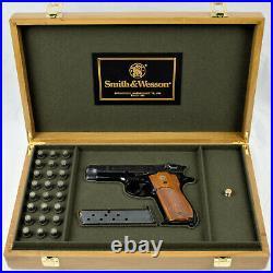 PISTOL GUN PRESENTATION CUSTOM DISPLAY CASE BOX for SMITH & WESSON model 39-2
