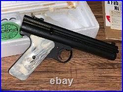 Rare Vintage Benjamin 422 SEMI AUTOMATIC. 22 Cal Pistol Amazing Condition withBox