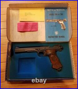 S&W Smith & Wesson Model 78G. 22 Cal. Pellet Pistol CO2 Air Papers Box extras