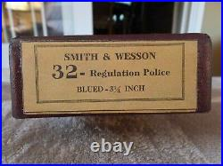 Smith & Wesson vintage box for a 32 regulation police