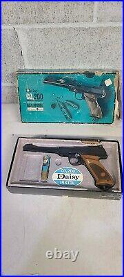 VTG DAISY CO 2 BB/. 177CAL Pistol Model 200 w Original Box
